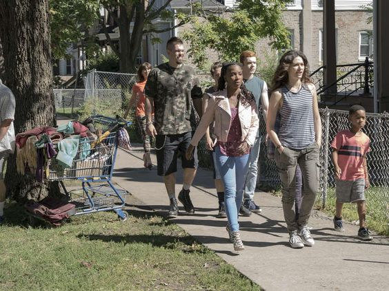 Showtime has released the season seven premiere of Shameless online early. What do you think? Are you a fan of the series?