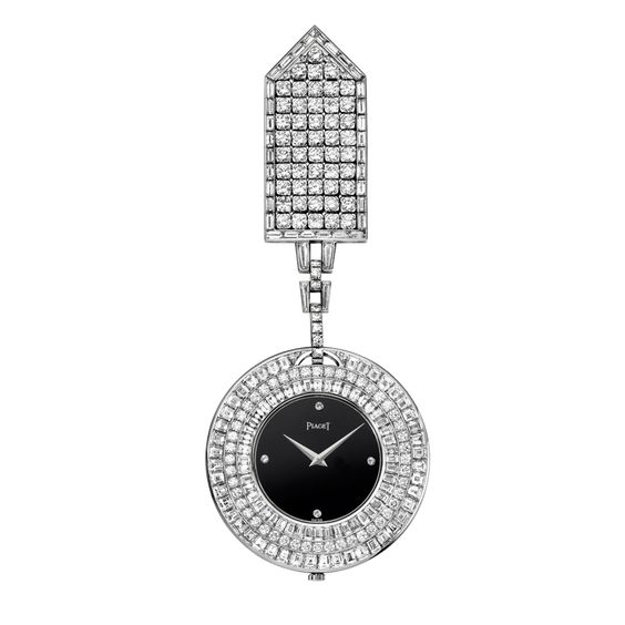 High jewellery pocket watch in white gold set with 132 baguette-cut diamonds and 110 round diamonds.Onyx dial set with 4 diamonds. Piaget ultra-thin hand-wound movement 9P. Date: 1981