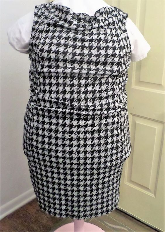Plus Size LANE BRYANT Houndstooth Dress Sleeveless CAREER Black 26/28 Stretch 4x…