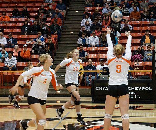 Set A Volleyball Setter Basics A Beginner Guide To Perfect Setting Volleyball Skills Volleyball Tips Volleyball Setter