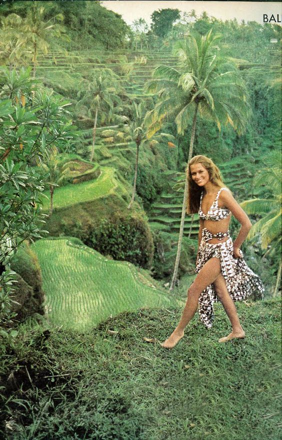 Lauren Hutton in Bali by Arnaud De Rosnay for Vogue December 1970.: