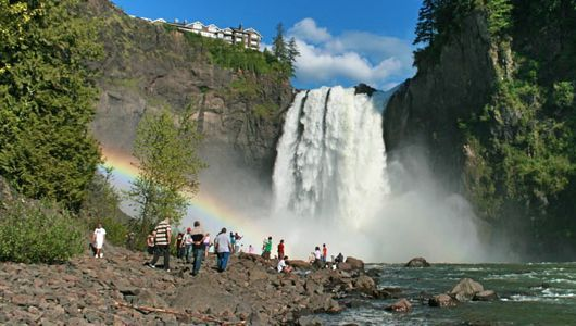 Hikes in Seattle Area with Kids::Snoqualmie Falls: A great attraction for families in the Seattle area.