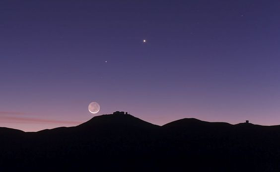 Crescent moon (the harsh mistress), Mercury and Venus... from Chile.