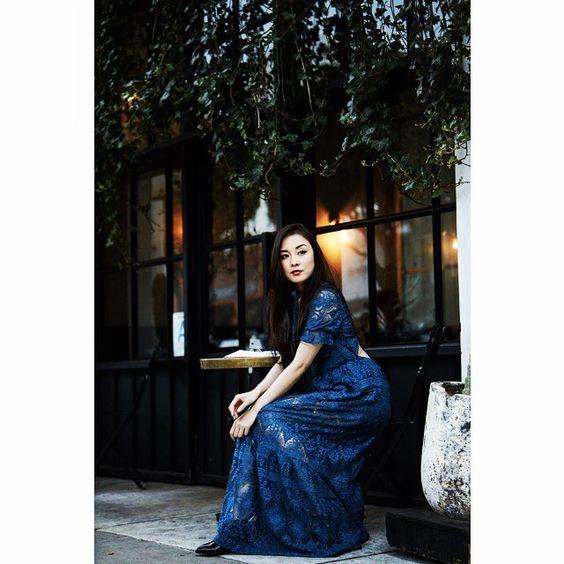 青いスカートのセクシーな伊藤歩