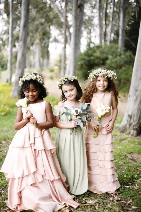 Lythwood loves these pretty flower girl dresses. So pretty! <3 #lythwood #weddings #flowergirls www.lythwoodweddings.co.za