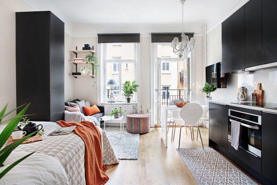 Tokeletesen Mukodo Eletter 21 Negyzetmeteren Fotosorozat Inspiralo Otthonok Small Apartment Interior Interior Design Apartment Small Apartment Interior