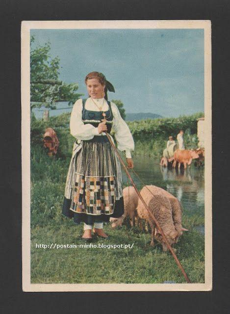 Portugal - Postal anos 1950s Costumes do Minho - Imagem campestre