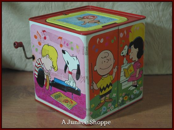 PEANUTS 1966 Snoopy In The Music Box Type Jack In The Box Kids Amusement Toy Junk 973  http://ajunkeeshoppe.blogspot.com/
