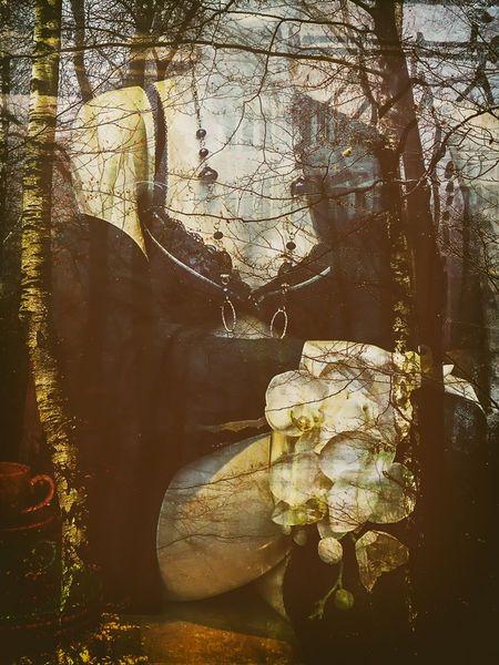 'Sitting in the autumn' von Gabi Hampe bei artflakes.com als Poster oder Kunstdruck $20.79