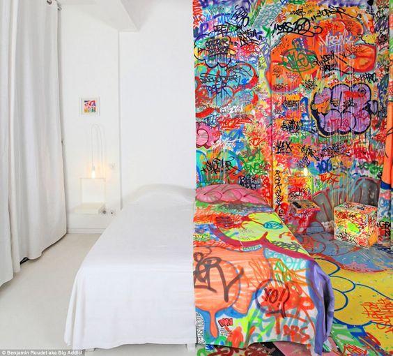 Marseille hôtel room!