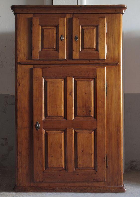 Mueble suizo estilo rústico, en madera de pino. Con tres cajones y ...