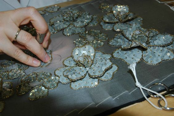 3D flowers embroidered with sequins...lovely!: