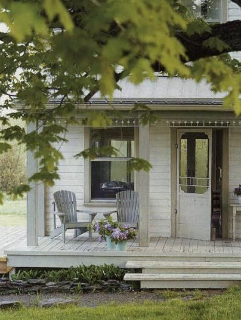 country porch (you can feel the cool breezes sitting there) From 'Country Living'