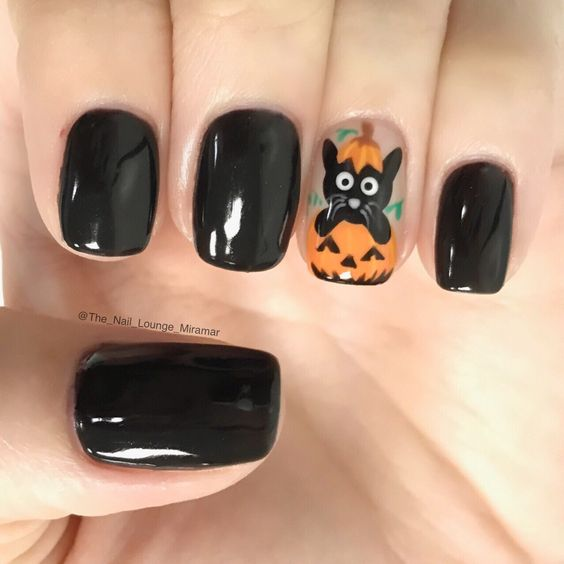 Halloween black cat pumpkin nail art design