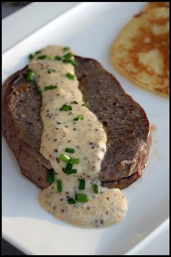 Tournedos sauce de moutarde à l'ancienne – Pancakes de pommes de terre | Chez Becky et Liz, blog de cuisine anglaise