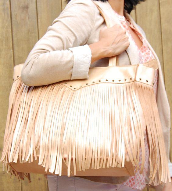 Bolsa couro com franjas da Mab Store - www.mabstore.com.br.
