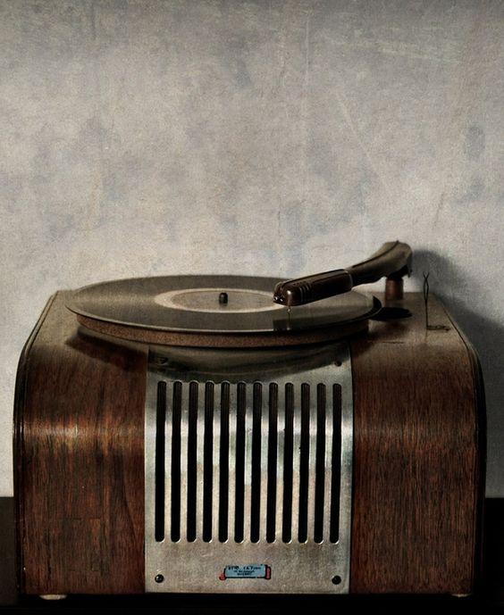 : Vintage Technology, Old Record Player, Old Records, Products I Love, Vinyl Records, Vintage Record Player Antiques, Vintage Stuff, Recordplayers, Vintage Record Players