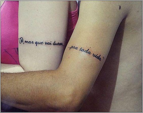 tatuagens de casal em Espanhol e feminina
