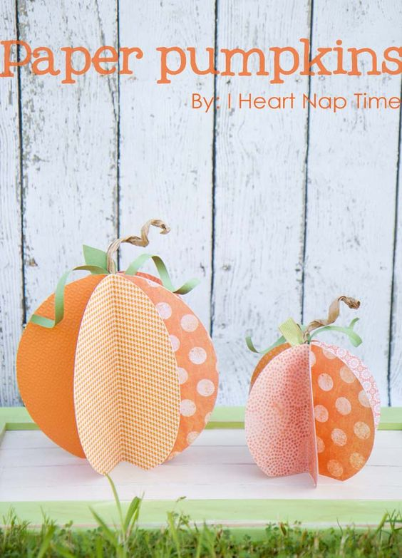 CUTE paper pumpkins on iheartnaptime.com {w/ video tutorial} #crafts #DIY #Halloween
