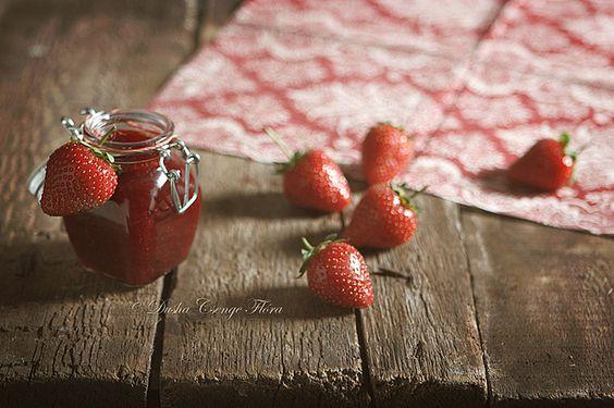 Lavender strawberries jam