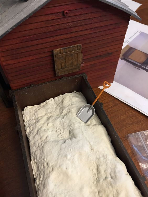 sand bin w/sanding loading door