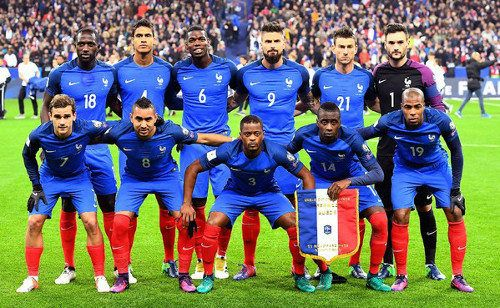 Nike Extends Kit Sponsorship Of France National Football Team In Record Deal In 2020 France National Football Team France National Team Football Team