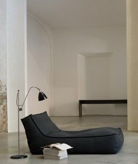 Bags fireplaces and lounge sofa on pinterest for Bean bag chaise longue