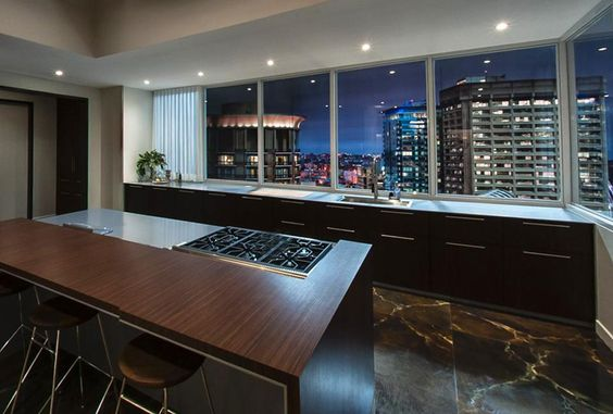 '50 Shades Of Grey' - Christian Grey's Penthouse | Delood