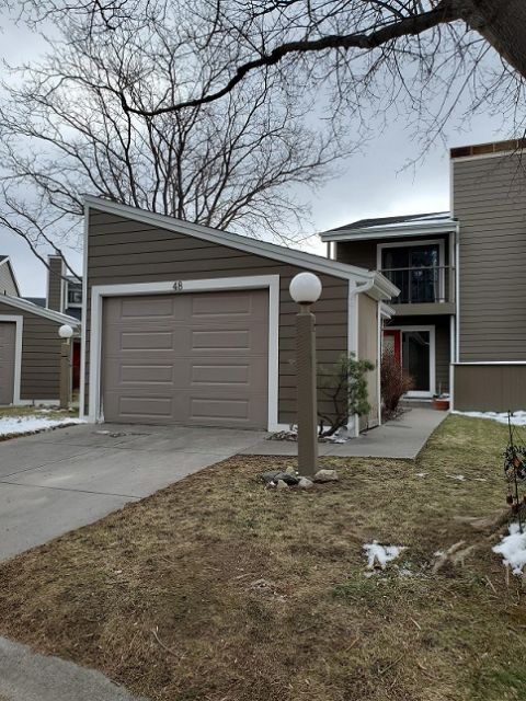 Centrally Located Spacious Condo Billings Mt Rentals Centrally Located Spacious 3 Level Condo Loa In 2020 Condominium Living Room Hardwood Floors Billings Montana