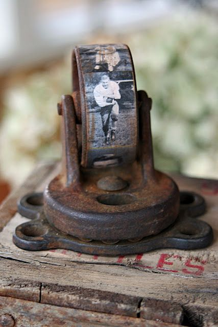 Old Caster Wheel...re-purposed into an awesome photo paperweight!!  So Prim!   Instructions included.