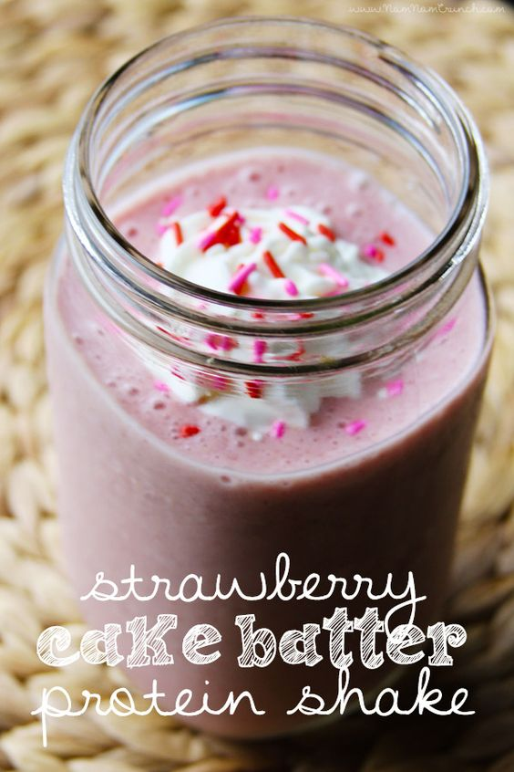 Strawberry Cake Batter Protein Shake (Nom Nom Crunch ...