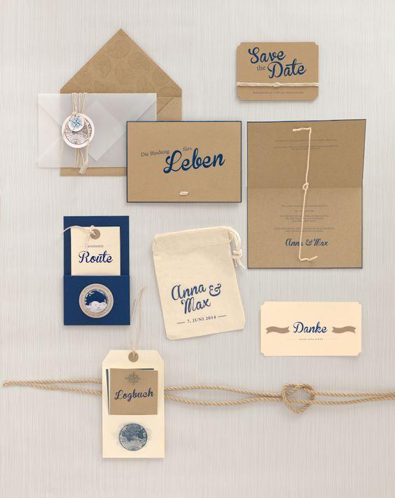 """Kraftpapier-Hochzeitspapeterie in Creme und Blau mit Knoten-Element – blue and kraft paper wedding stationary """"tie the knot"""" – www.weddingstyle.de"""