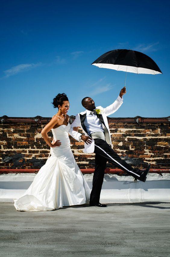 umbrella, amazing photo, black & white, wedding, expressive