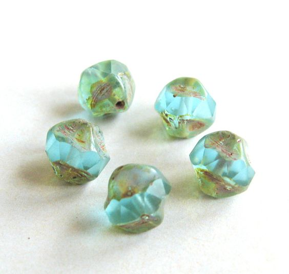 5 Böhm. Barockperlen Nuggets light aqua opal  8 mm