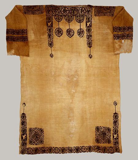 Tunic [Probably from Panopolis (Ahkmim), Egypt] (26.9.8) | Heilbrunn Timeline of Art History | The Metropolitan Museum of Art  black and white tunic for Hans