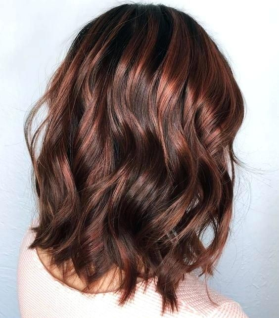 Brown And Red Highlights Hair With Red Highlights Medium Red Brown Hair With Caramel Highlights Pricheski Balayazh Cvet Volos Korichnevyj