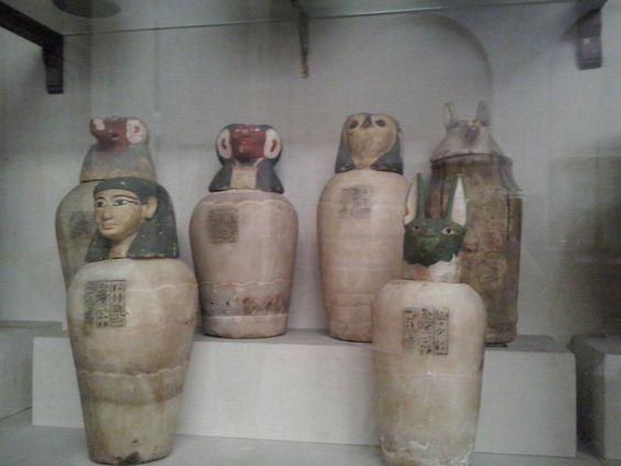 Vasos canopos (Museo del Cairo - Egipto)
