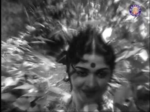 B Saroja Devi In Kattu Rani Kottaiyilae Thayai Katha Thanayan Youtube Movie Songs Songs Tamil Movies