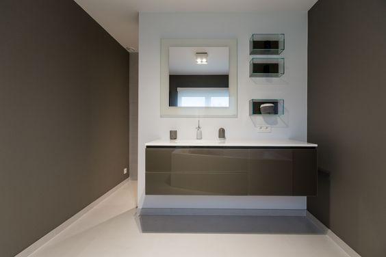 Salle de bain maison moderne https://www.facebook.com/dwelling.be/ http://www.dwelling.be
