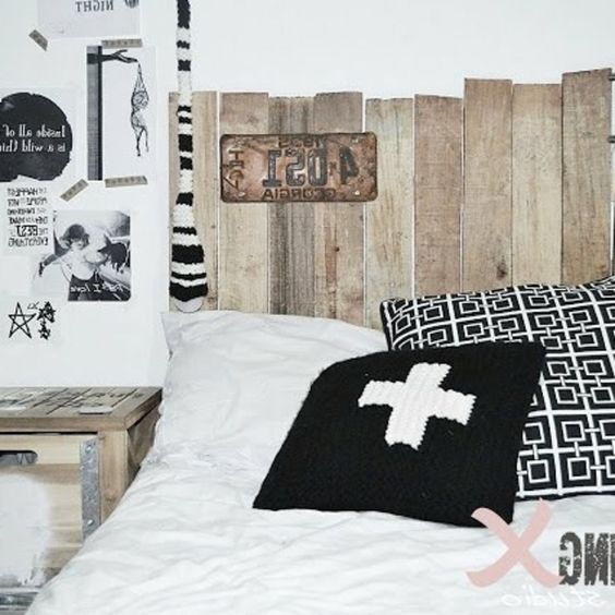 Design and interieur on pinterest - Tete de lit avec des palettes ...