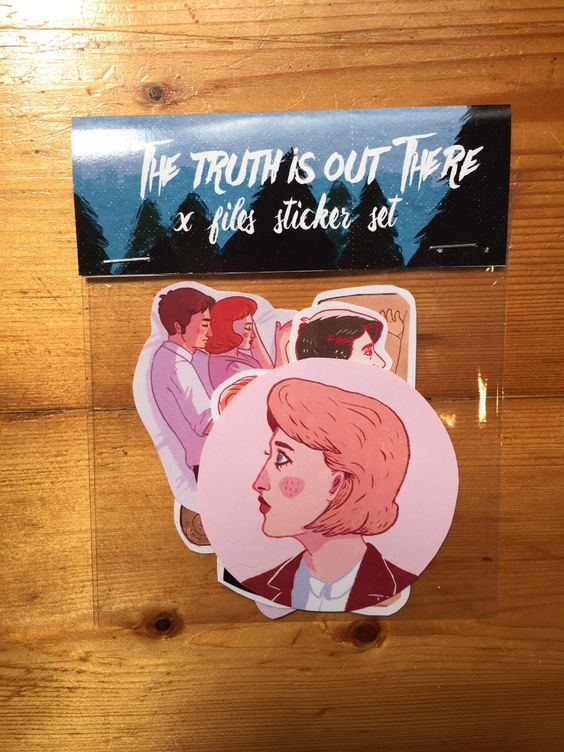 The X Files Fox Mulder Dana Scully Stickers pack of 6 by badwitchalert on Etsy https://www.etsy.com/listing/246524867/the-x-files-fox-mulder-dana-scully