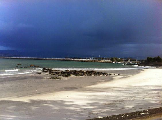 intentado correr mientras llega la tormenta :-), Ría de Vigo. Trying to run faster than the storm in Ria de Vigo