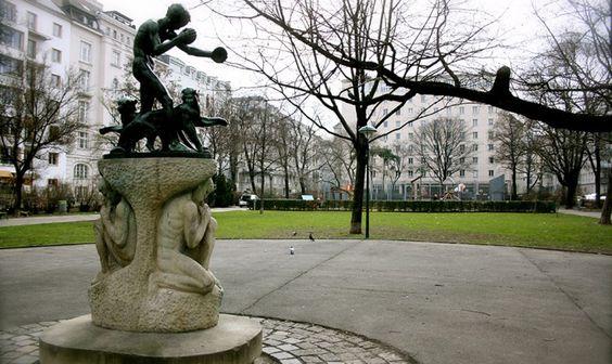 Modenapark, Stadtspaziergang
