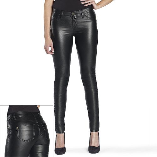 The first thing you need to be careful about when buying faux leather pants for women is the size. For all your faux leather maintenance, I highly recommend saddle soap. Click here to get it! And although I say this in every post I write about faux leather clothing items, it's still worth repeating every single time.