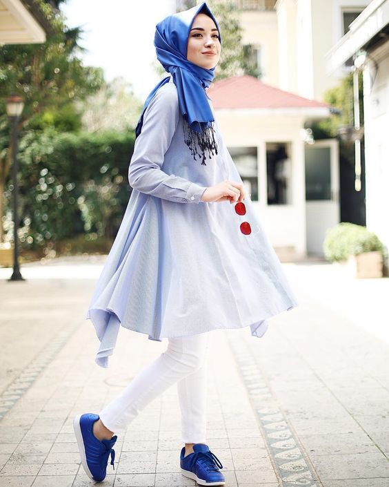 Dark blue hijab with light blue short frock for summer party