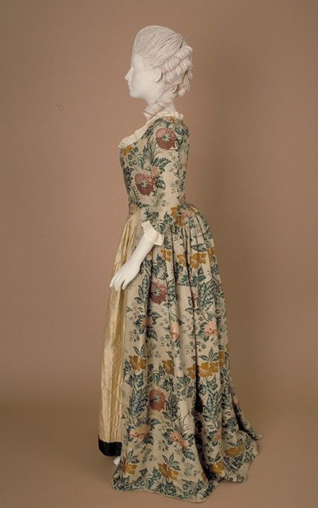 18th century 'open gown' - fabric woven about 1736-38, possibly in Spitalfields, London, the gown made about 1770-80.: