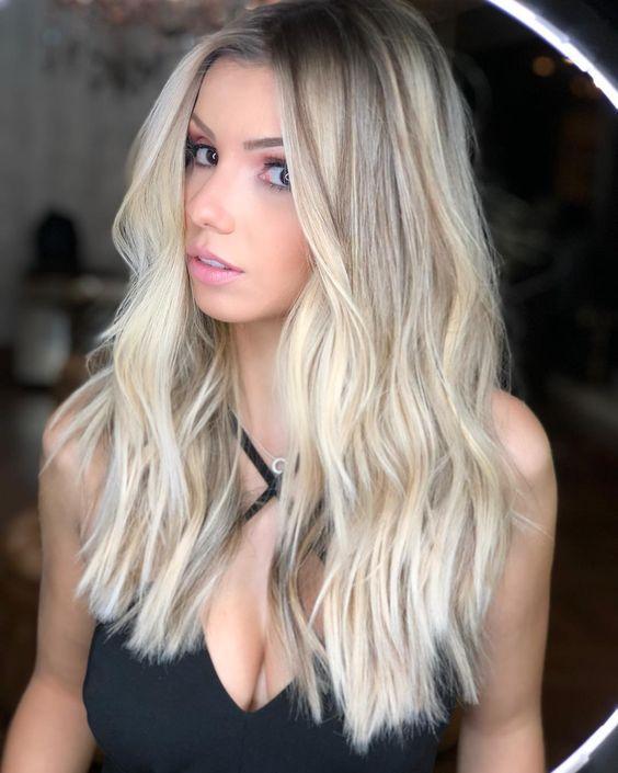cabelos com loiro perolado cor
