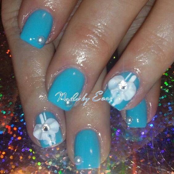 Extraordinary Nails By Eva