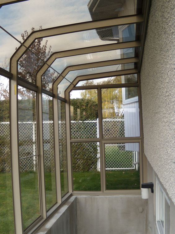 Solarium de paris 3 seasons sunroom gazebo shelter for Walkout basement sunroom