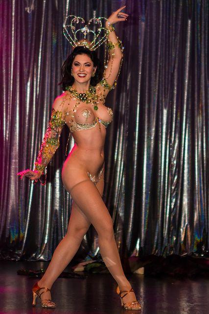 LouLou D'Vil #burlesque